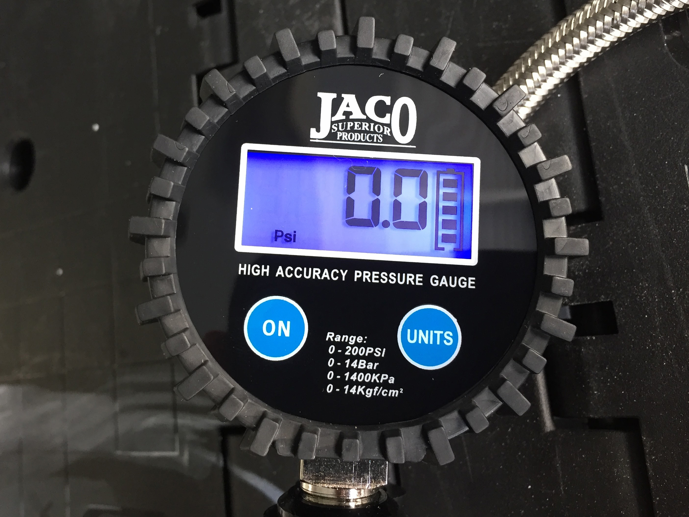 Jaco Flowpro Digital Tire Inflator Gauge Review Trail Bike Travel Pressure Kompressor Random Then Check It With A Different Giant Pain In The Ass Whats Worse Is That Battery Was Damn Near Impossible To Replace